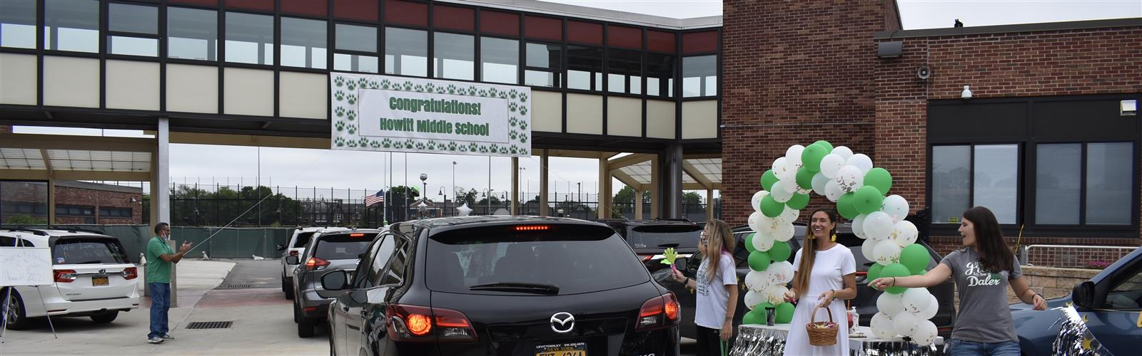 HMS 8th Grade Car Parade